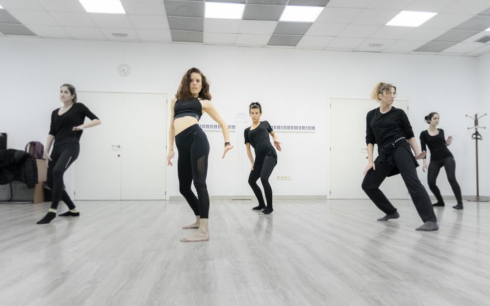 Academia Sandra D. Vega - Danza Contemporanea