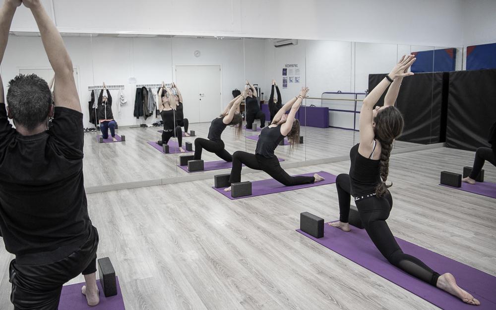 Clases de fitness y salud - Academia Sandra D. Vega - Yoga